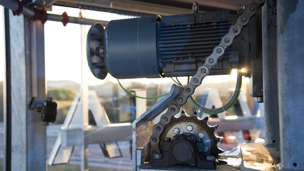 parktower engine with steel chain